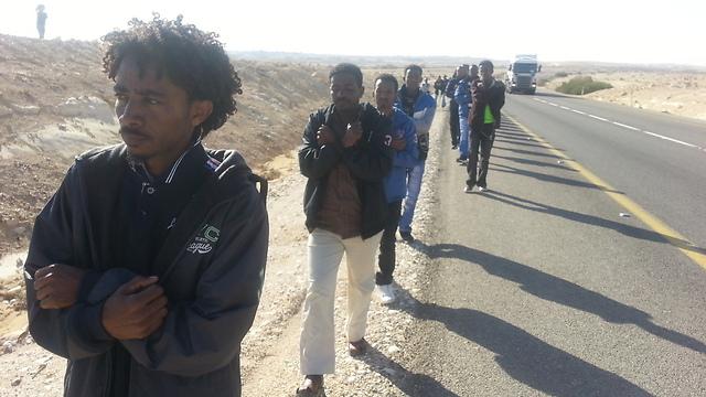 Asylum seekers march, Thursday (Photo: Roee Idan)