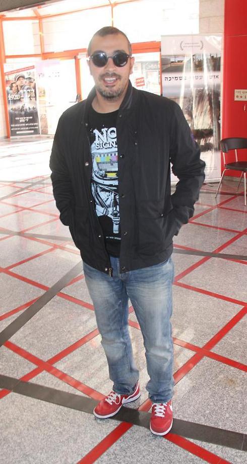 חצי עספור. חנן סביון (צילום: ניק פקין) (צילום: ניק פקין)