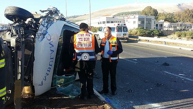 התאונה ליד ראש פינה (צילום: שמחה גולדברג - חדשות 24 ) (צילום: שמחה גולדברג - חדשות 24 )