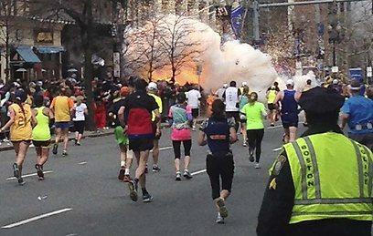 מרתון בוסטון נפסק בשל אירוע שייזכר עוד זמן רב (צילום: רויטרס) (צילום: רויטרס)