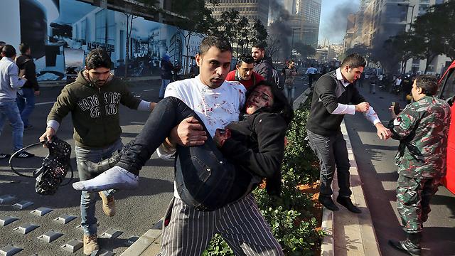 שישה נהרגו, עשרות נפצעו (צילום: AP) (צילום: AP)