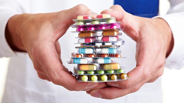 מלאי התרופות לחירום של משרד הבריאות מיועד לבתי החולים (צילום: shutterstock)