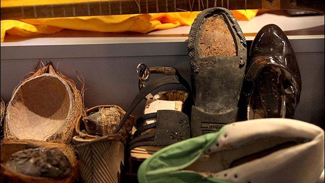 הברחות בתוך נעליים ()