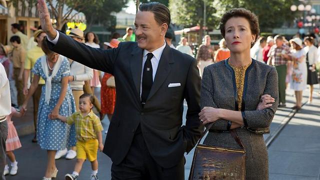 עם טום הנקס בתפקיד וולט דיסני. טרברס דרשה להיות מעורבת בהכל ()