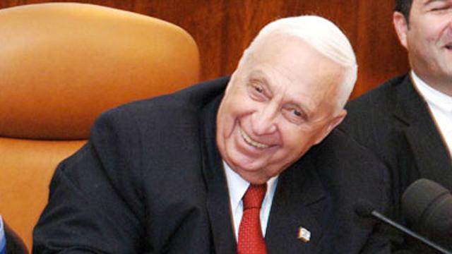 שרון בתקופת כהונתו כראש הממשלה (צילום: ישראל סאן) (צילום: ישראל סאן)