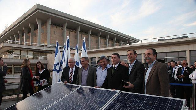הפאנלים הסולאריים הגיעו גם למשכן הכנסת (צילום: דוברות הכנסת)