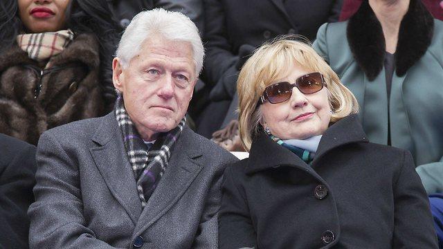 הבית הלבן לא זר לה. עם ביל קלינטון, הנשיא לשעבר (צילום: רויטרס) (צילום: רויטרס)