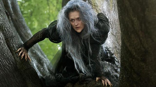 """מריל סטריפ היא המכשפה ב""""אל תוך היער"""" ()"""