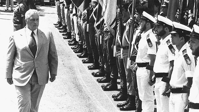 Sharon appointed to defense minister. 1981 (Photo: Shalom Bar Tal)