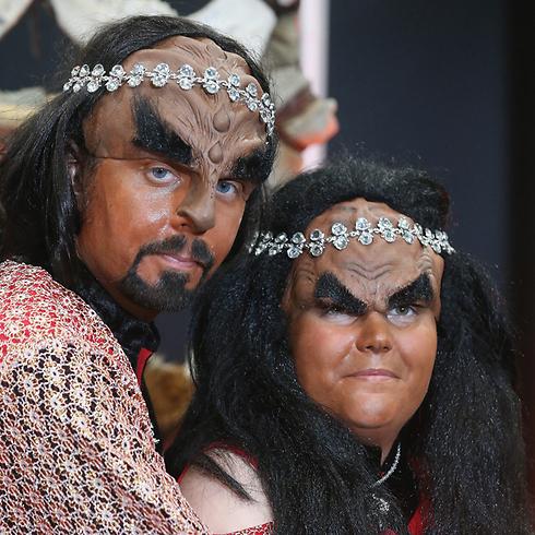 מעריצי מסע בין כוכבים מתחתנים כדמויות קלינגון (צילום: Gettyimages) (צילום: Gettyimages)