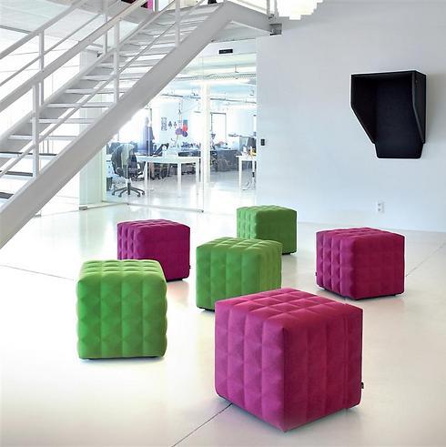 פופים למשרד עשויים לבד. אקוסטיים ומאפשרים עבודה באופן ספייס (צילום באדיבות פיטרו ריהוט משרדי) (צילום באדיבות פיטרו ריהוט משרדי)
