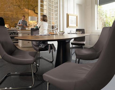 חדר אוכל ביתי בסגנון מעוגל (צילום באדיבות ROLF BENZ) (צילום באדיבות ROLF BENZ)