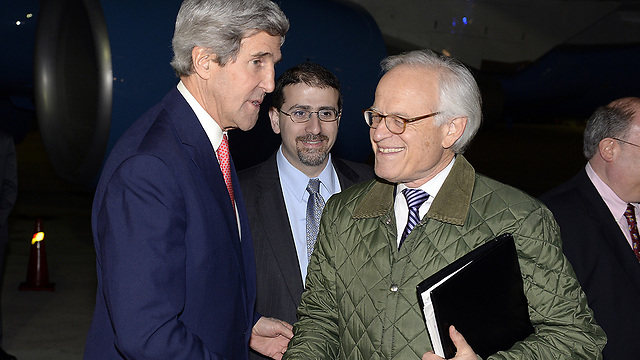 US Envoy Indyk with Kerry (Photo: Matty Stern/U.S. Embassy Tel Aviv)