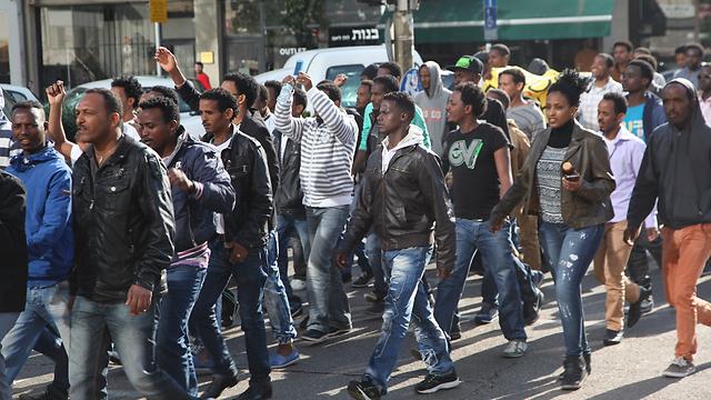 The asylum seekers marching (Photo: Motti Kimchi)