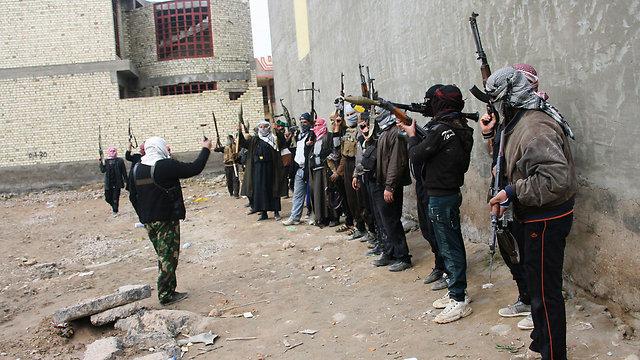 אל-קאעידה יתקשה לשרוד ללא תמיכת הסונים (צילום: רויטרס) (צילום: רויטרס)