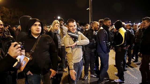 Dieudonne's fans perform Nazi-style salute (Photo: EPA)