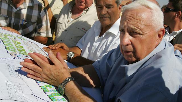 ראש הממשלה דאז אריאל שרון  (צילום: גטי אימג'בנק) (צילום: גטי אימג'בנק)