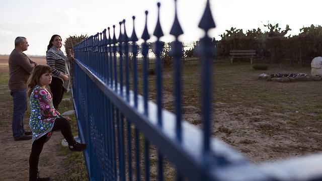מטיילים בחוות השקמים בשבת (צילום: גטי אימג'בנק) (צילום: גטי אימג'בנק)