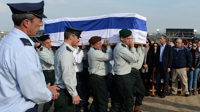"""הלווייתו של שרון אתמול (צילום: קובי גדעון, לע""""מ) (צילום: קובי גדעון, לע"""