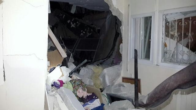 הרס עצום בדירות (צילום: אודי גל, דוברות כבאות והצלה ירושלים)