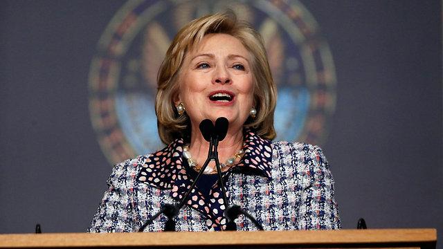 הנשיאה הראשונה? קלינטון נואמת על קידום נשים  (צילום: רויטרס) (צילום: רויטרס)