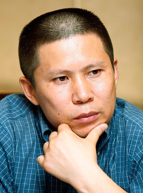 סינים רבים החלו לדון בהשראתו בסוגיות חברתיות. שוּ (צילום: AP) (צילום: AP)