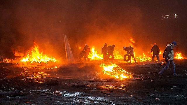 המחאה הולכת ומחריפה (צילום: AFP) (צילום: AFP)