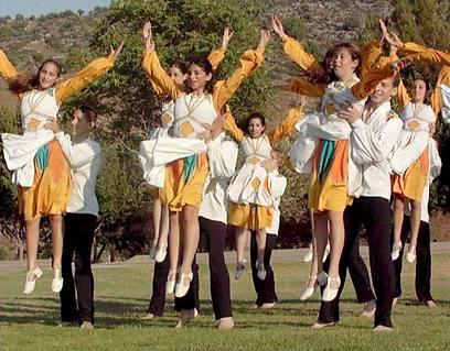 40 שניות בלבד על הבמה. רקדים (צילום: אלעד גרשגורן)