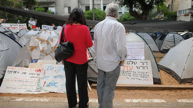 את הסוגיות הכלכליות-חברתיות החליפו שאלות של ייצוג. המחאה החברתית, 2011 (צילום: ירון ברנר)
