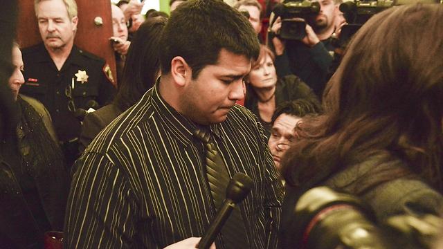 בעלה של מרליס בבית המשפט (צילום: AP) (צילום: AP)