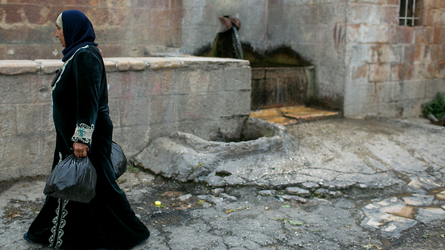 Palestinian women in village of Battir (Photo: Ohad Zwegenberg)