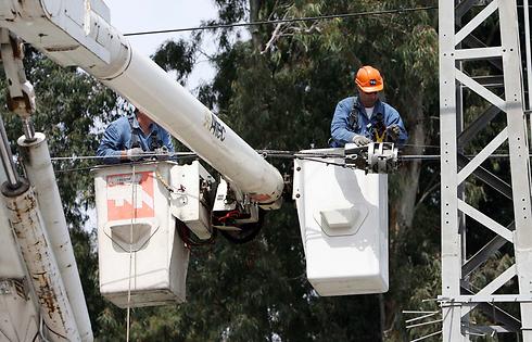 עובדי חברת החשמל (צילום: יוסי וייס) (צילום: יוסי וייס)