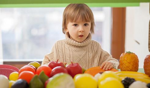 """""""סליחה, כמה עולה תפוח?"""" (צילום: shutterstock) (צילום: shutterstock)"""