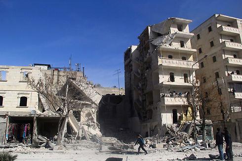 Site of barrel bombing (Photo: Reuters)