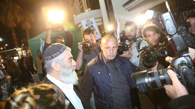 """אריאל זילבר בכניסה לטקס פרסי אקו""""ם (צילום: מוטי קמחי) (צילום: מוטי קמחי)"""