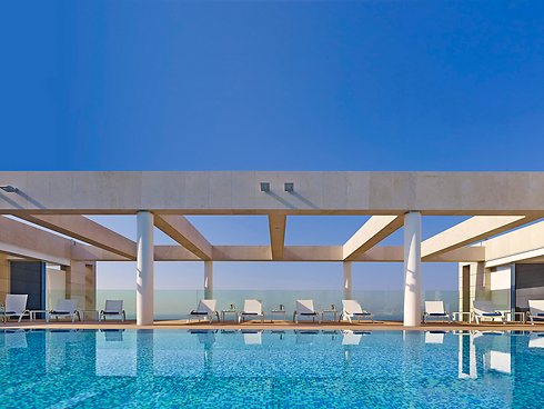 The pool at the Ritz Carlton Herzliya (Photo: Ritz Carlton Herzliya)