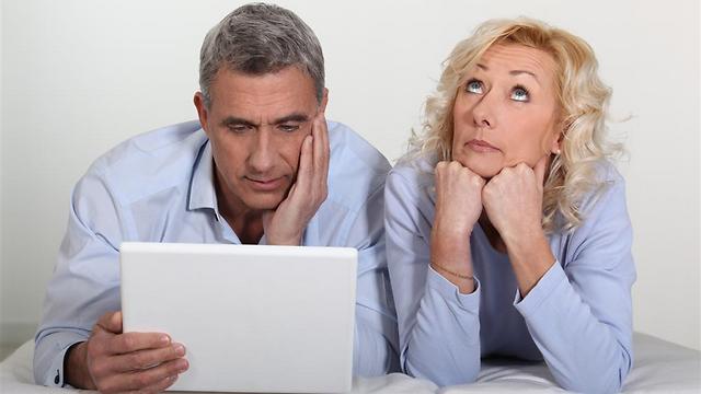 """בני הזוג שפרשו עלולים להרגיש שהם """"תקועים"""" יחד 24 שעות ביממה ()"""