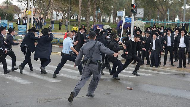 ההפגנה באשדוד (צילום: אבי רוקח) (צילום: אבי רוקח)