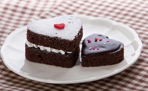 עוגת השוקולד האהובה על כל המשפחה במתכון יותר בריא (צילום: shutterstock) (צילום: shutterstock)