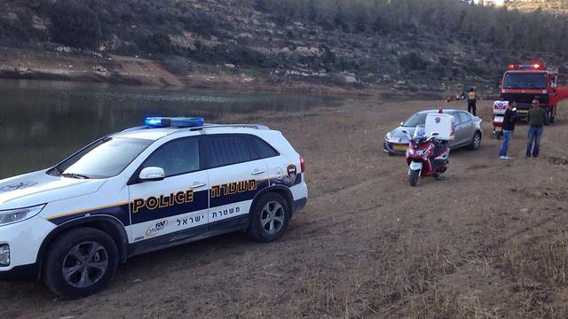כוחות החילוץ ליד מאגר המים (צילום: חדשות 24) (צילום: חדשות 24)
