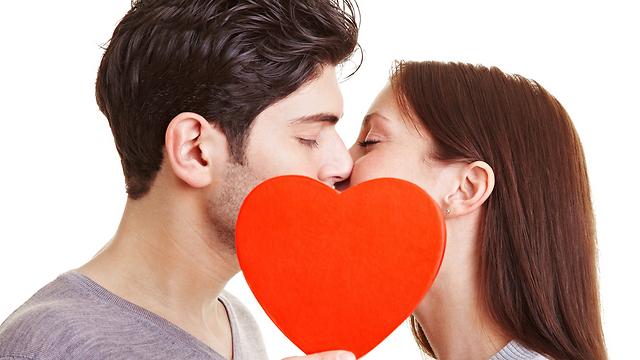 שמרו על אינטימיות, תקשורת ואהבה. במיטה ומחוצה לה (צילום: shutterstock) (צילום: shutterstock)