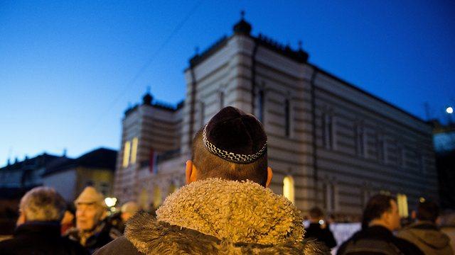 יהודי הונגריה מעדיפים לא להתבלט  (צילום: AP) (צילום: AP)
