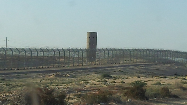 Israel's border fence on the Egyptian border (Photo: Yoav Zitun)