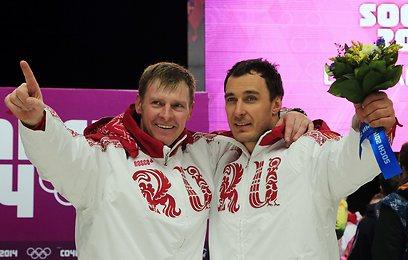 זובקוב (משמאל) ו-וובודה. זהב חמישי של רוסיה במשחקים (צילום: AFP) (צילום: AFP)