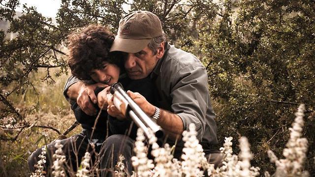 """יחסי אב ובן וכל עם ישראל ב""""מקום בגן עדן"""" (צילום: רן מנדלסון) (צילום: רן מנדלסון)"""