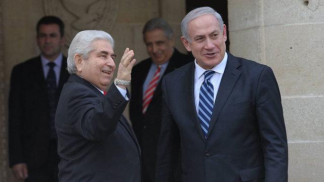 """מכיילים מחדש את החישובים האסטרטגיים שלהם. נתניהו ונשיא קפריסין לשעבר כריסטופיאס (צילום: עמוס בן גרשום, לע""""מ)"""
