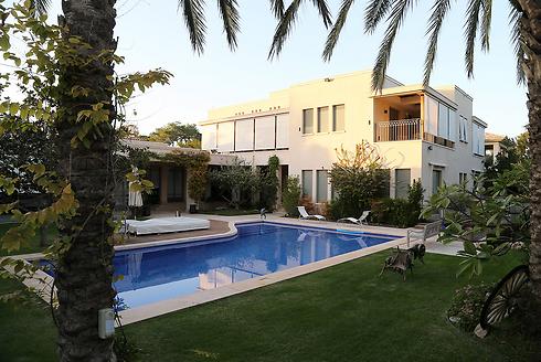 """ביתו של נוחי דנקנר בהרצליה פיתוח (צילום: יריב כץ, """"ידיעות אחרונות"""") (צילום: יריב כץ,"""