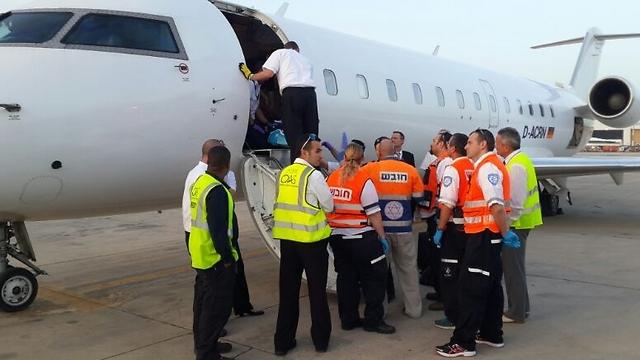 Plane carrying injured Ukrainians at Ben Gurion (Photo: Israel Airports Authority Spokesperson)