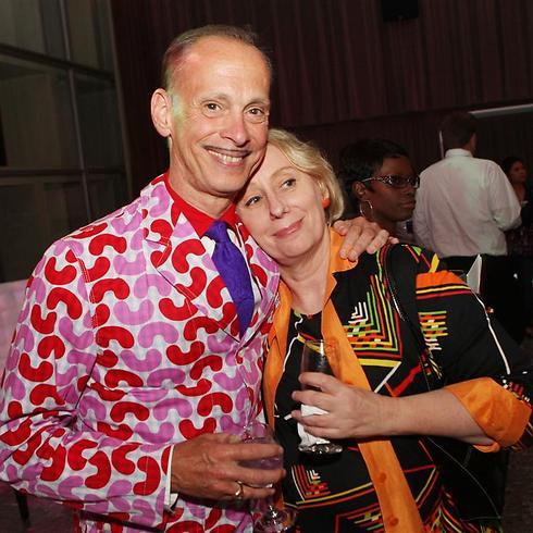 מינק סטול וג'ון ווטרס. חברים ותיקים (צילום: גטי אימג'בנק) (צילום: גטי אימג'בנק)