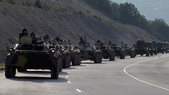 Russian military vehicles in Crimea (Photo: Reuters)